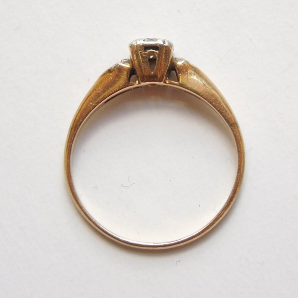 0.15ct Diamond in Vintage 1930s Bicolor Gold Mounting