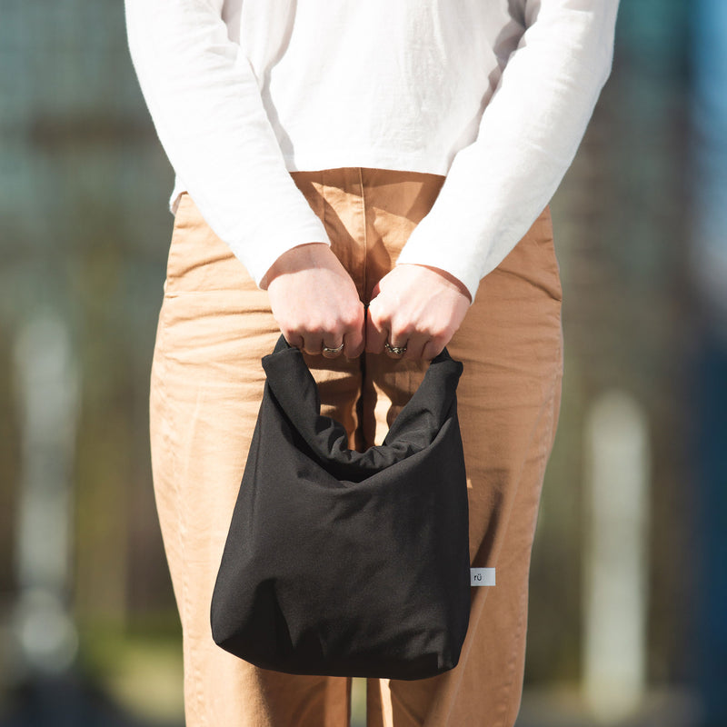 stylish black lunch bag for women