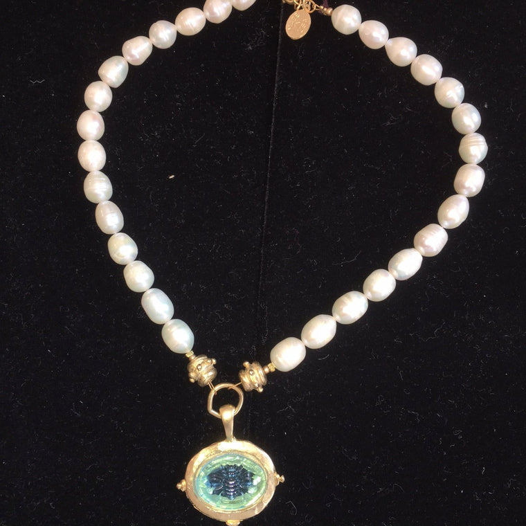 FRESH WATER PEARL NECKLACE WITH SM CLEAR FLEUR DE LIS