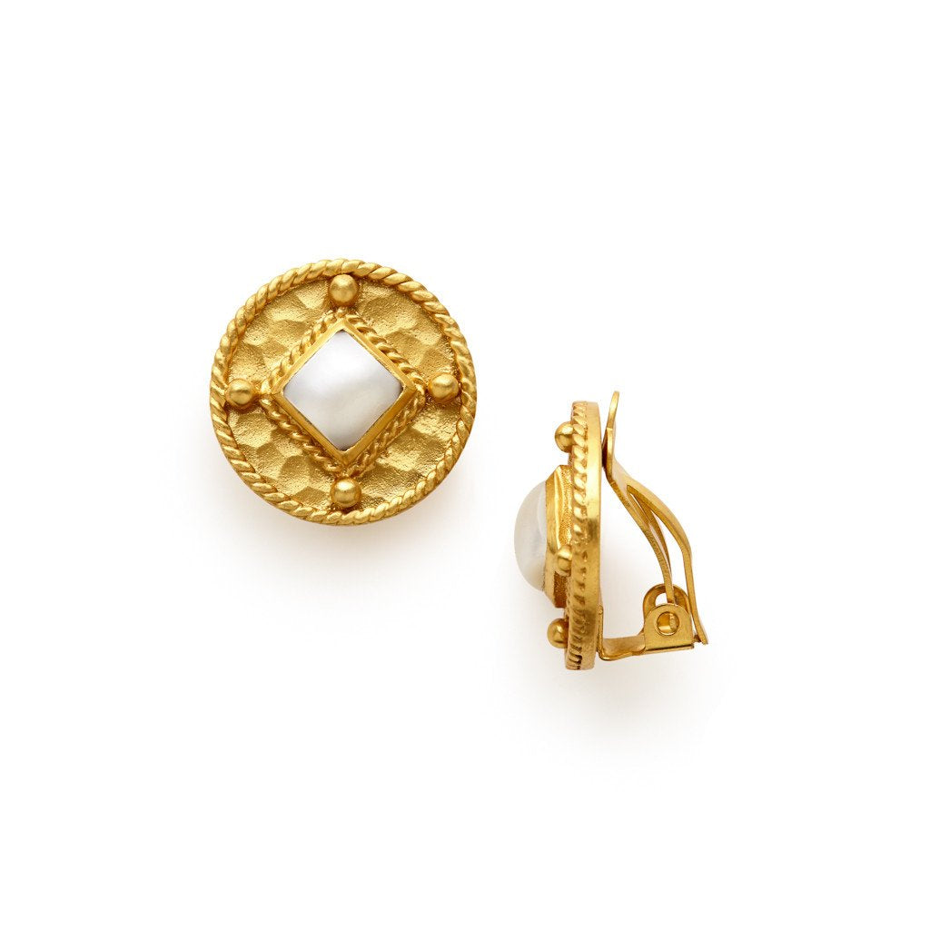 Medici Clip-On Gold Shell Pearl
