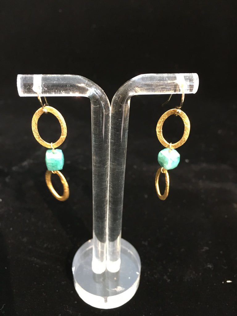 EARRING W/LIGHT BLUE STONE