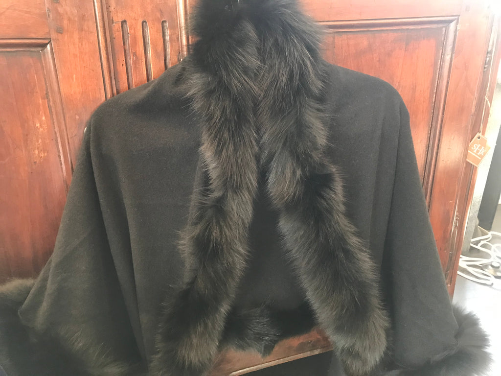 FUR TRIM WRAP BLACK