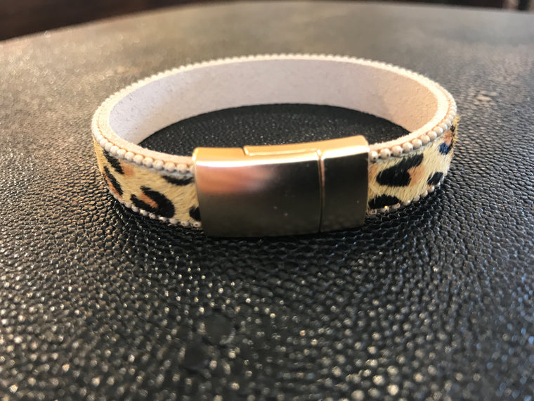LEOPARD ON TAN BAND