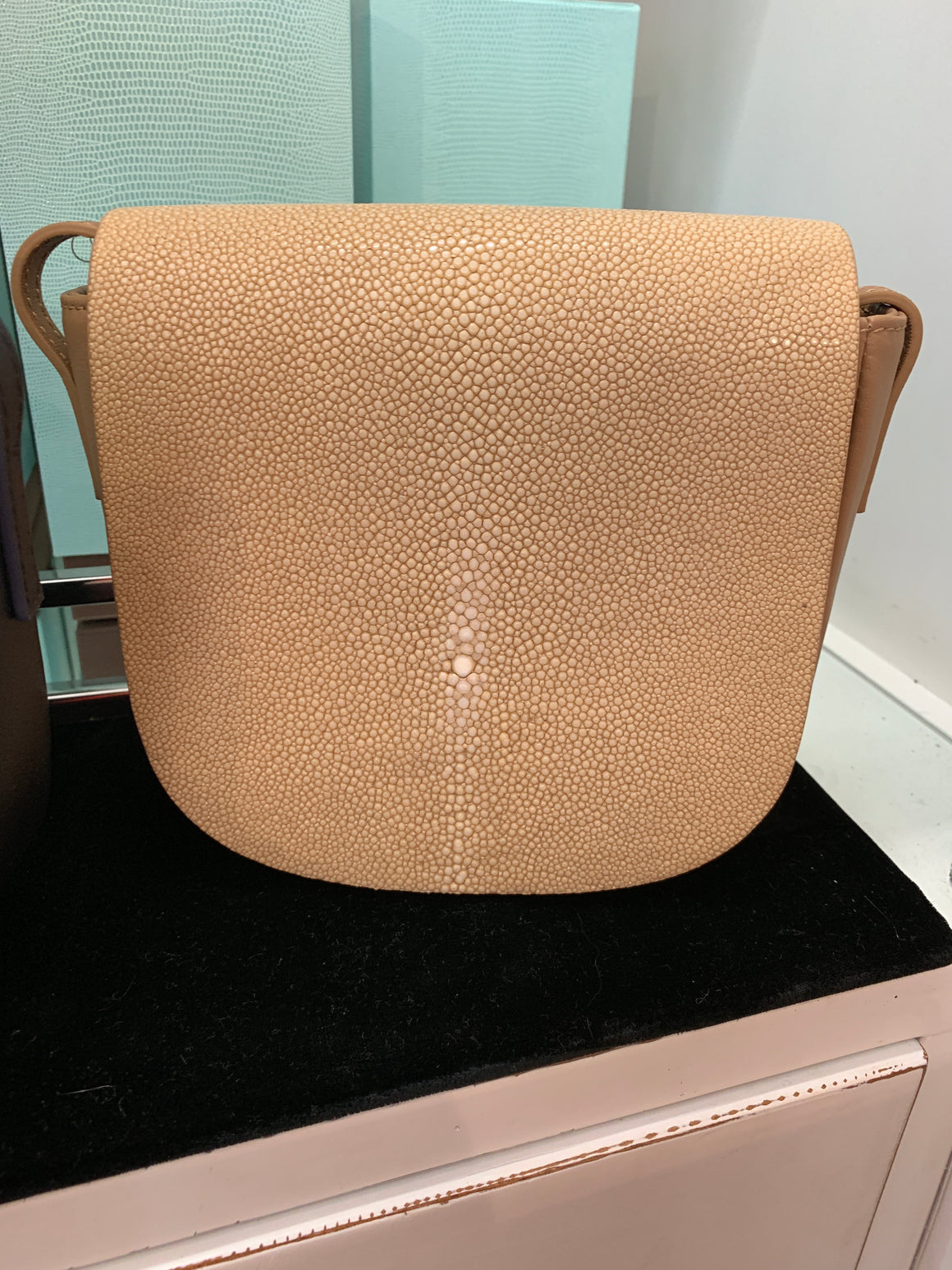 BROOKE CROSS BODY WITH TASSEL TAN LEATHER PUTTY SHAGREEN