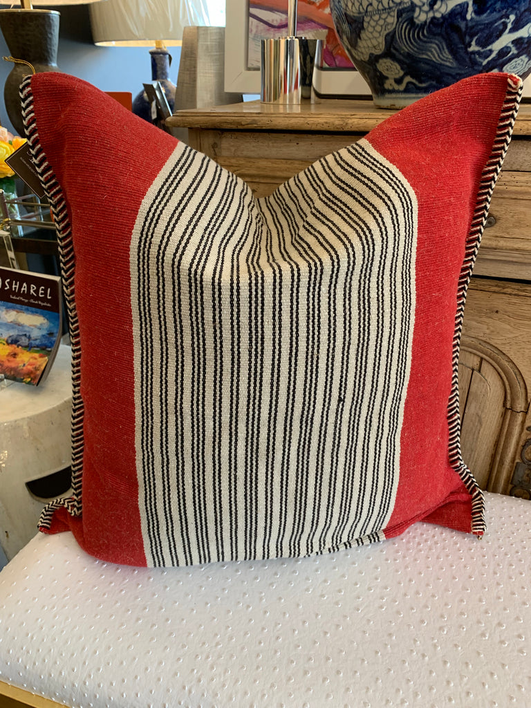 RED JUTE PILLOW 24X24