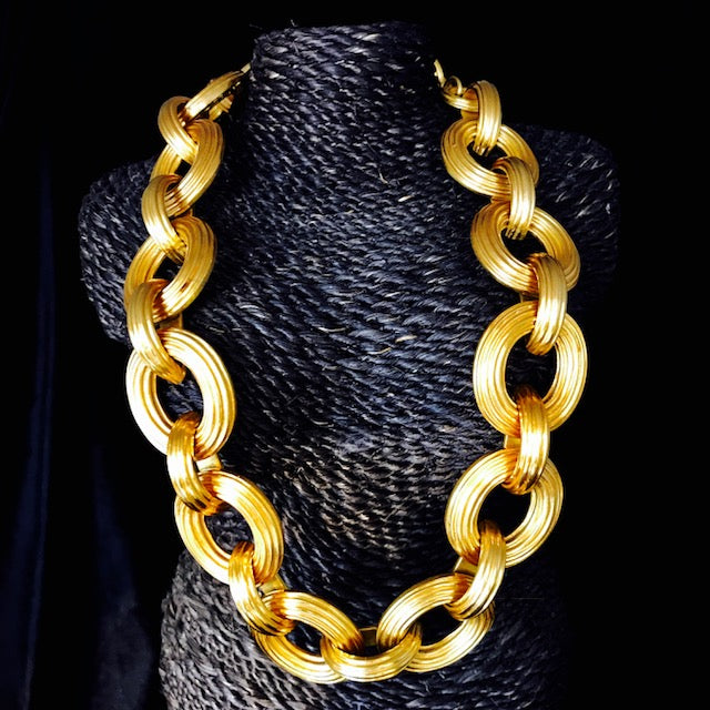 Byzantine link necklace gold