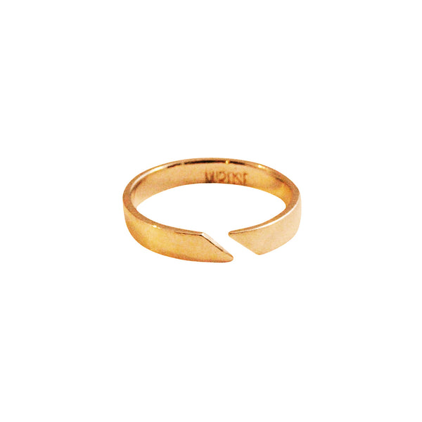Simple minimal gold ring