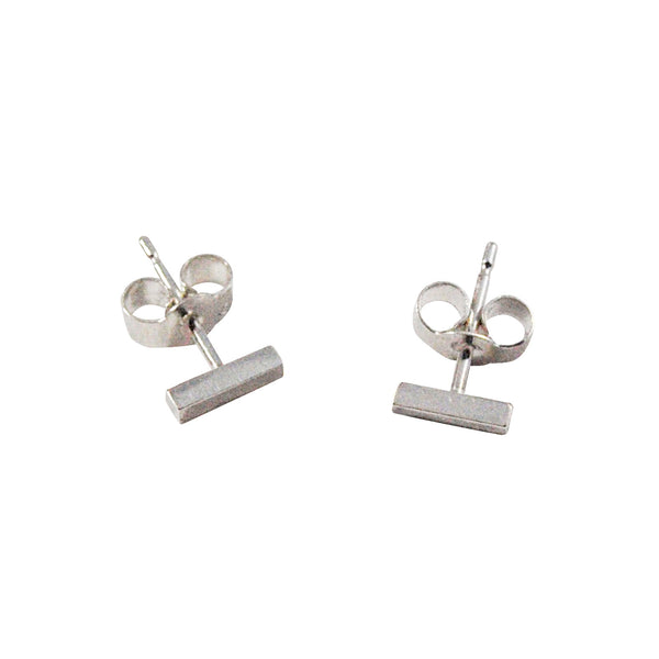 Simples silver studs