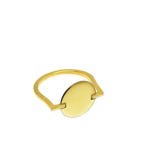 Cirque ring. Classic gold round circle ring