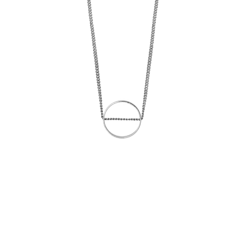 Classic contemporary circle necklace