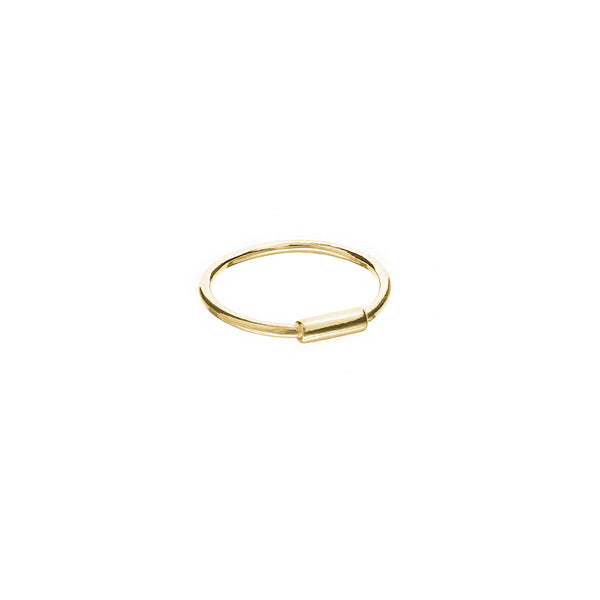 Minimal solid gold ring