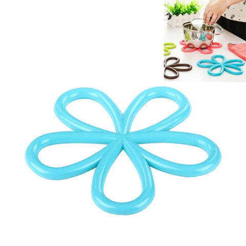 5 PCS Plum Blossom Shape Hot Insulation Pad Random Color Delivery