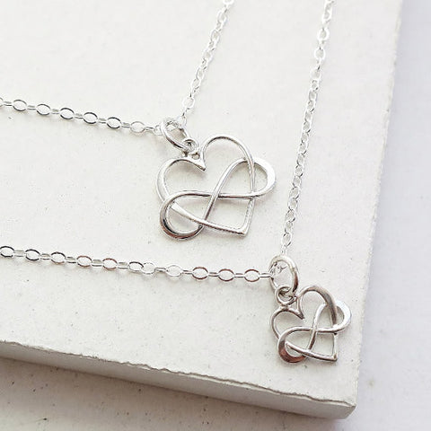 Infinity Heart Necklace Set