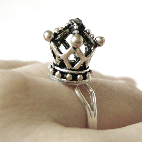 Queen Crown Ring - meNmommy.com  - 1