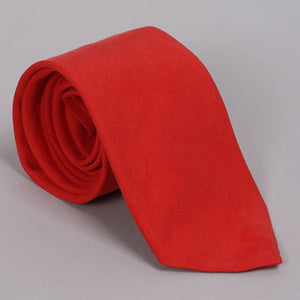 Necktie in Loro Piana Cherry Red Linen Cotton