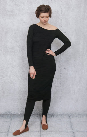 Pencil dress with open shoulder DS01