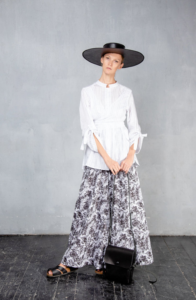 Shirt with waist draping