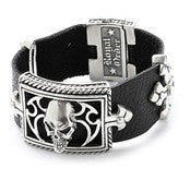 LARGE SKULL & CROSSES ON LEATHER BRACELET