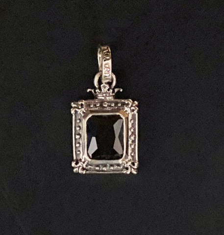 SP218-O SMALL GOD SQUARE PENDANT