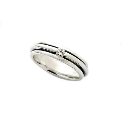 TRIPLE BAND RING w/ DIAMOND