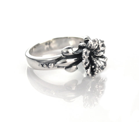 LAHAINA SMALL HIBISCUS RING w/ FLEUR DE LIS SIDES