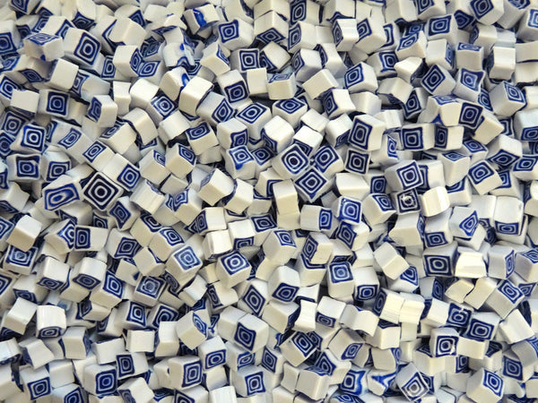 U93 Blue White Square 5-6mm