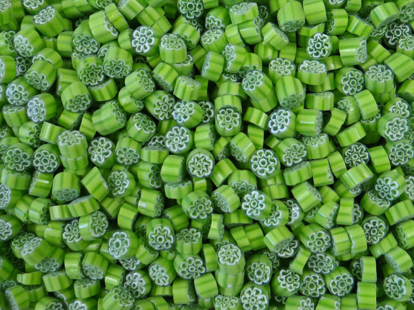 T82 Lime White Flower 8-10mm