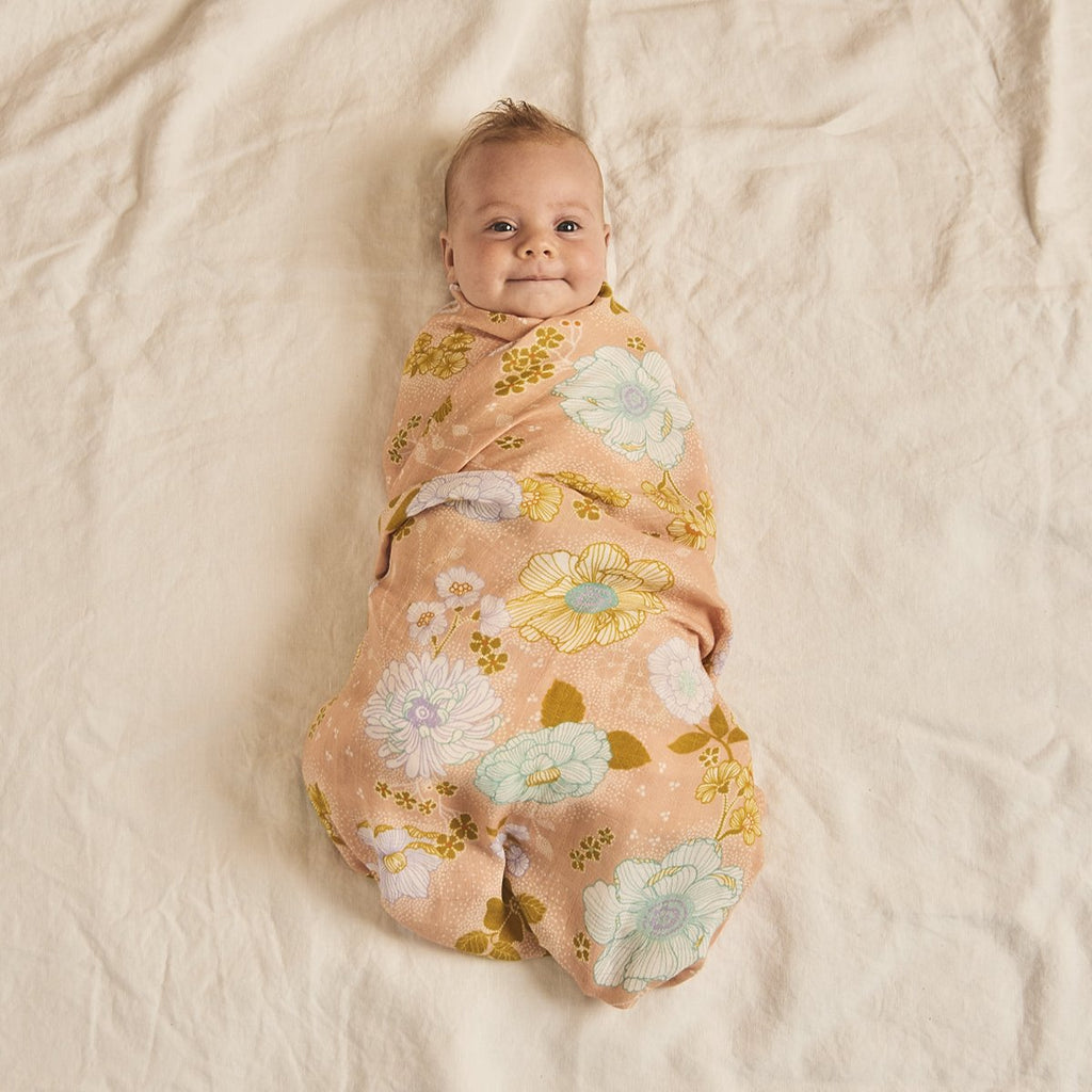 Banabae : Peach Blossom Swaddle