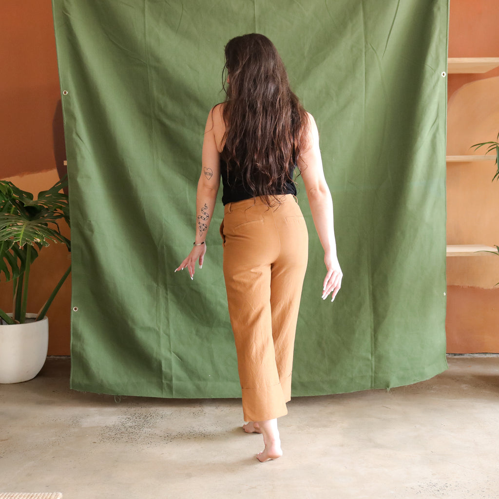 Vintage by N&G : Caramel Crop Slacks