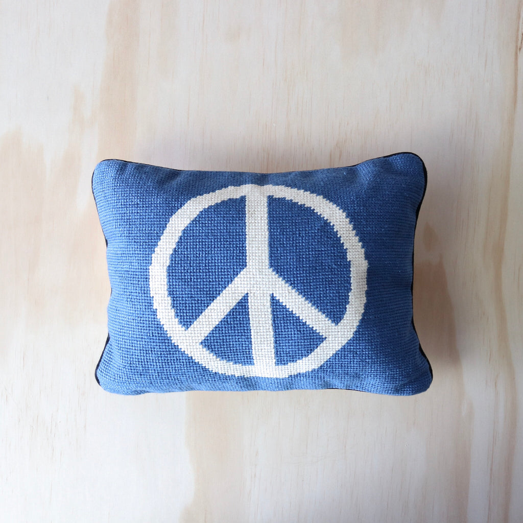 Aloha Zen : Peace Out Cushion