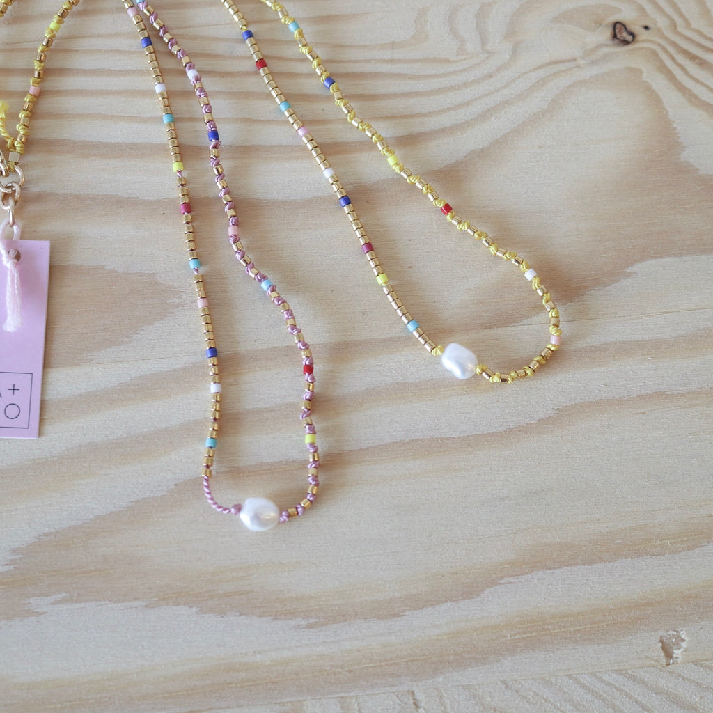 Athena and Co : Dashes Pearl Fine Bead Necklace
