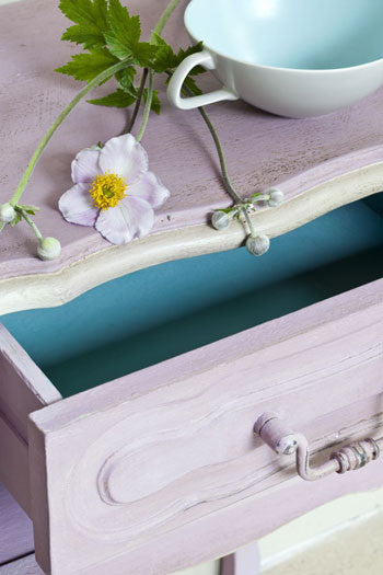 Table in Henrietta Chalk Paint™ by Annie Sloan.