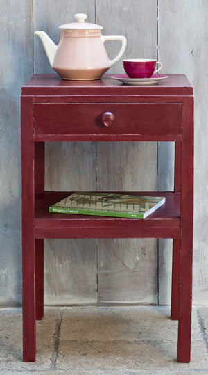 Table by Annie Sloan in Primer Red Chalk Paint™.