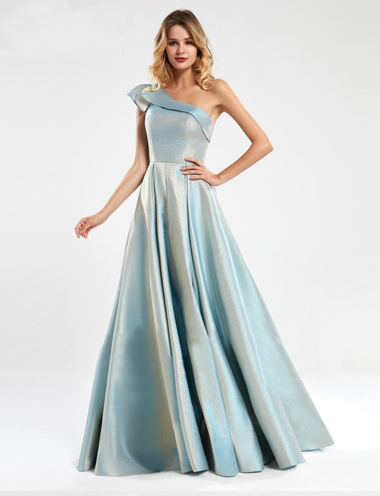 Lisel Metallic Formal Gown