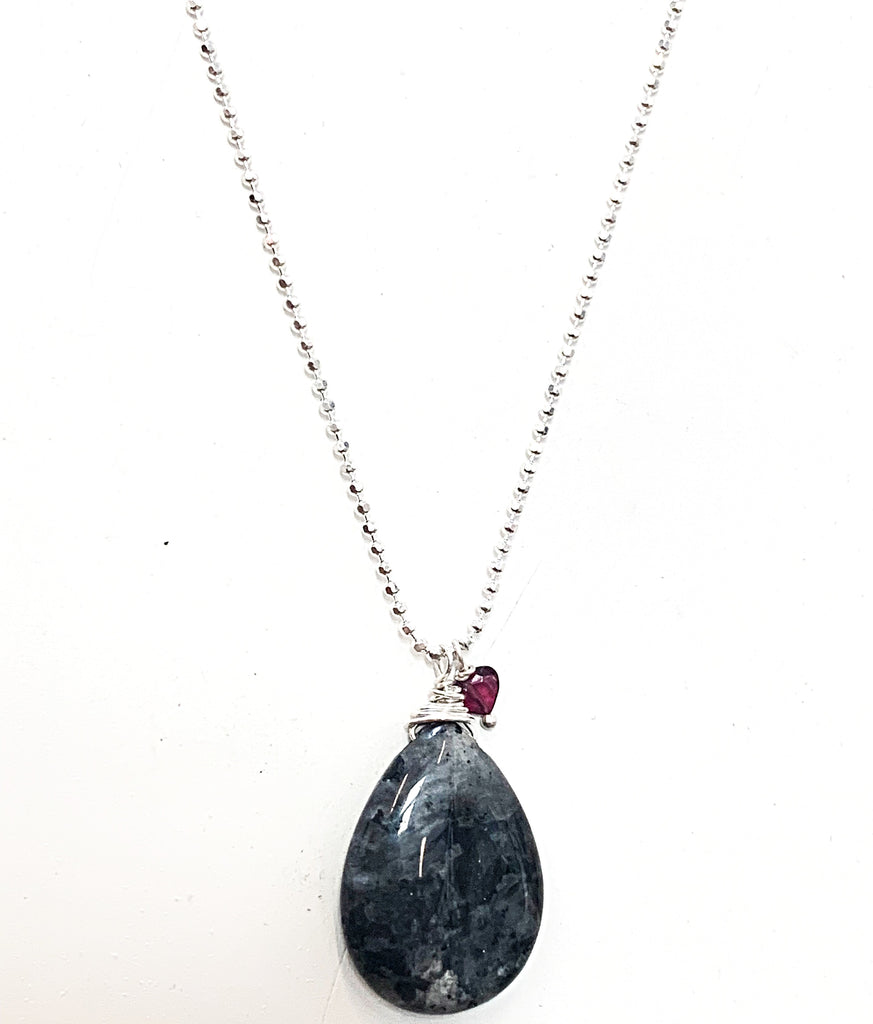 Labradorite + garnet on silver (light + purpose)