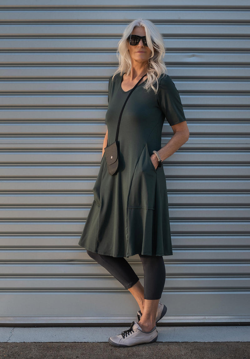 Ashen dress spirulina
