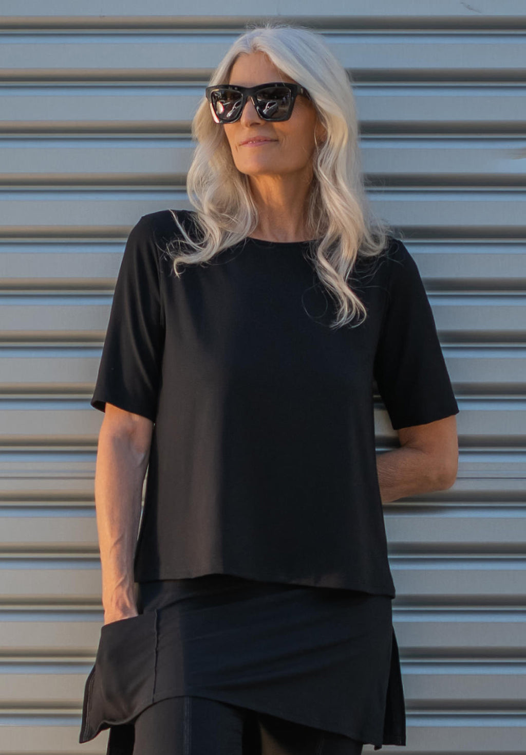 Lynne top black
