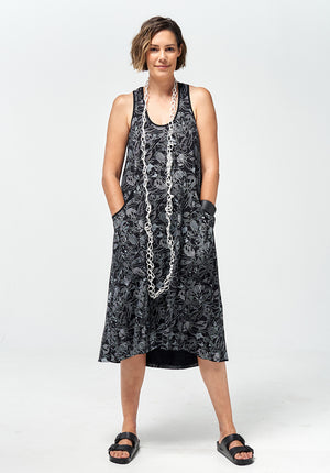 Recline midi dress black print