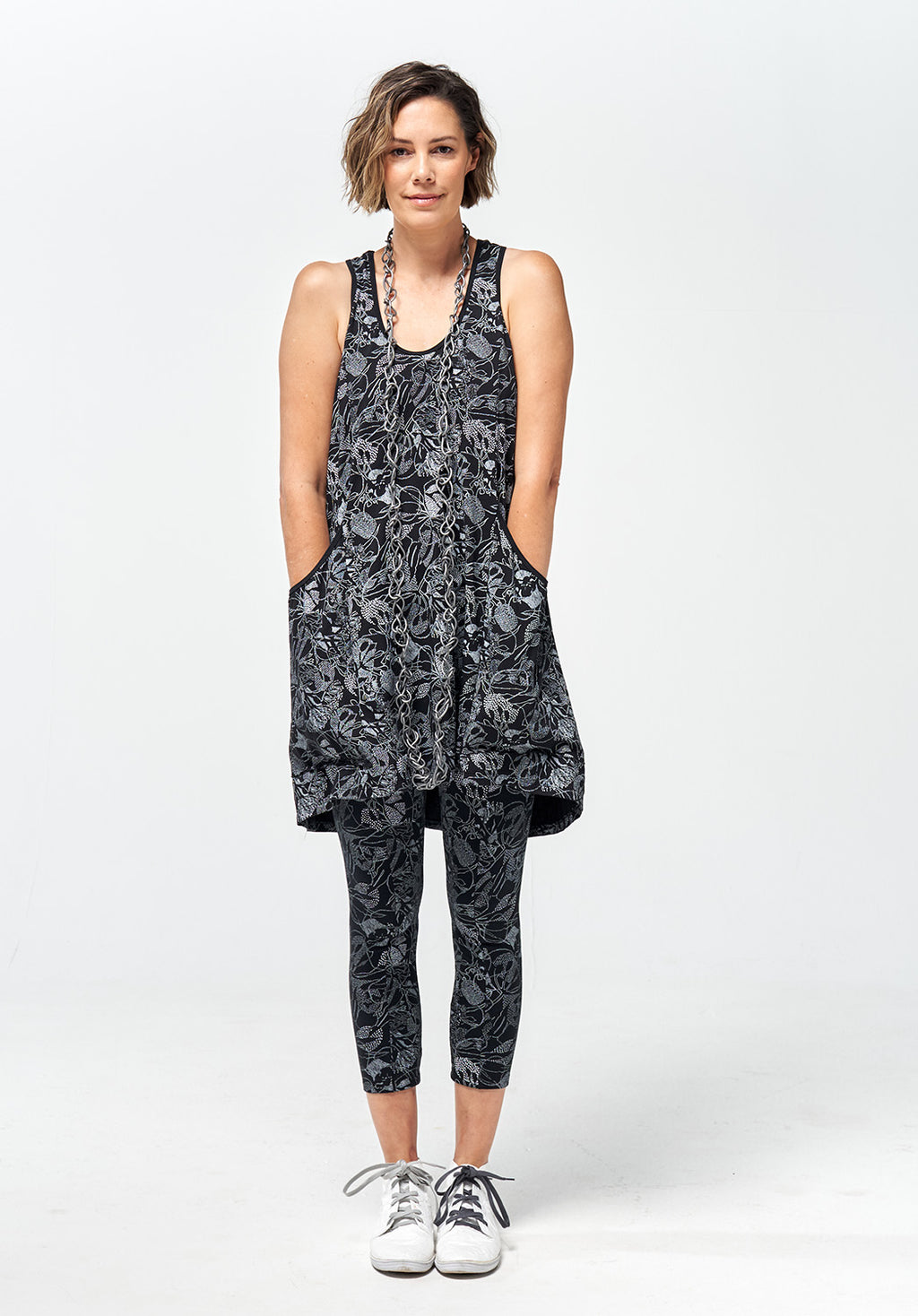 Recline short dress black print