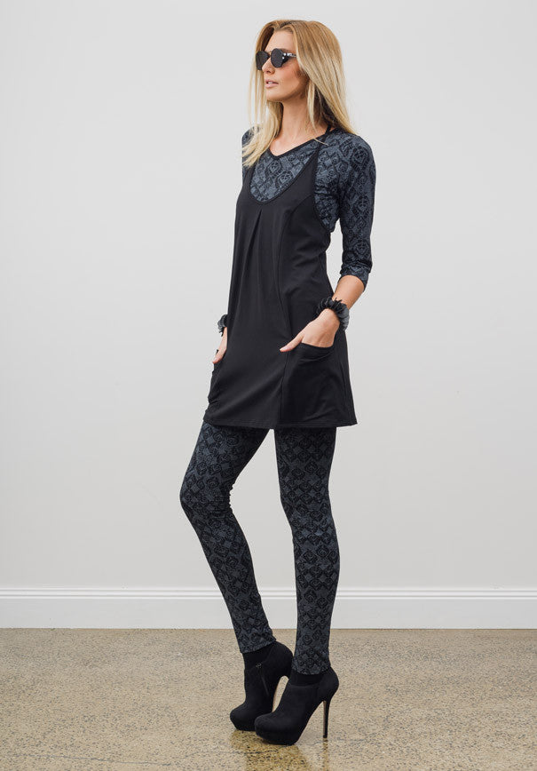 Viv 3/4 top black print
