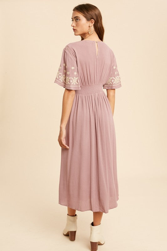Temecula Embroidered Midi Dress Mauve