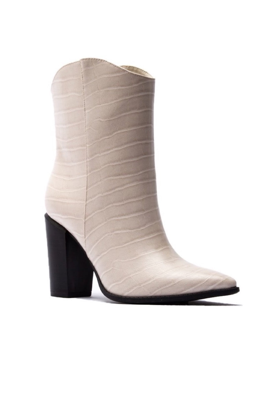 Nashville Bootie Off White