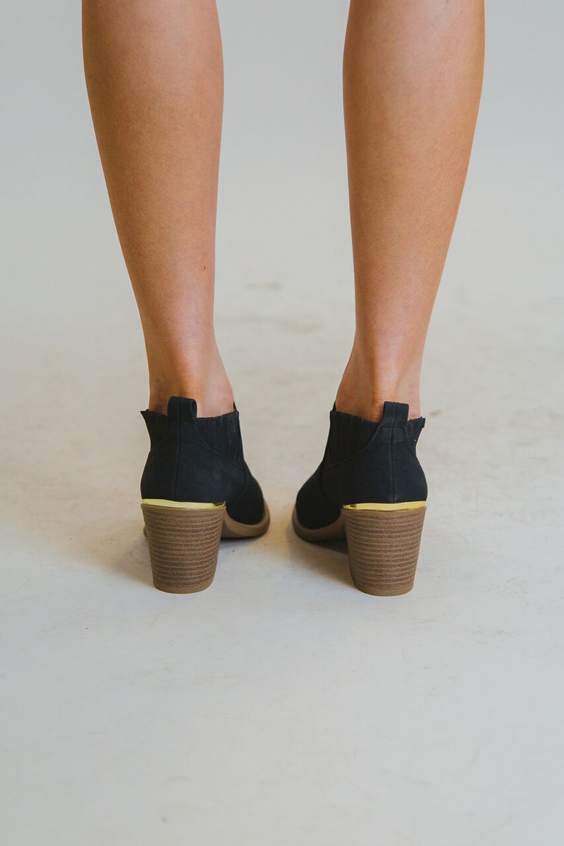 Almond Ankle Bootie Black
