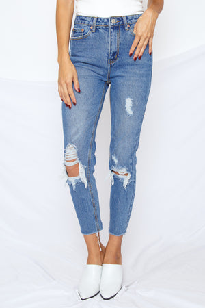 Tommy Distressed Straight Crop Jean