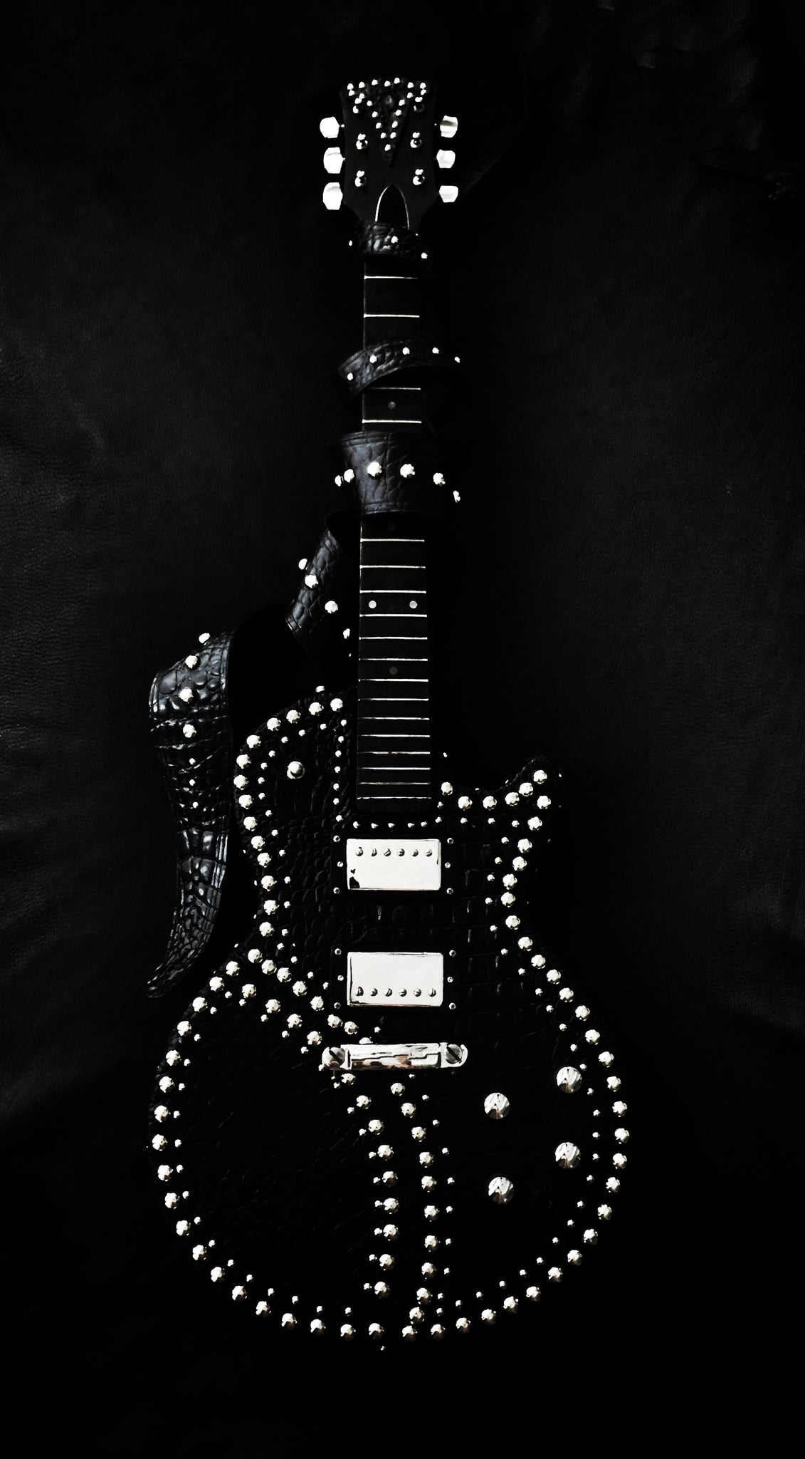 Sinistar Custom Whip Stitch Guitar Leather