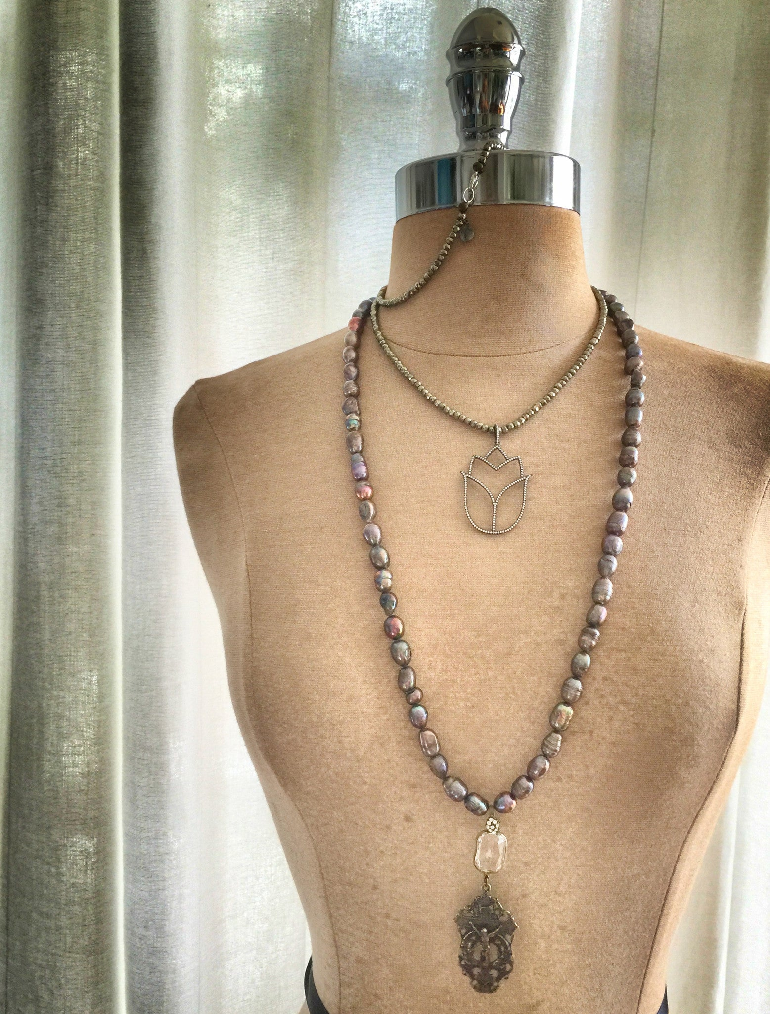 St. Diana Chateau Pearl Necklace