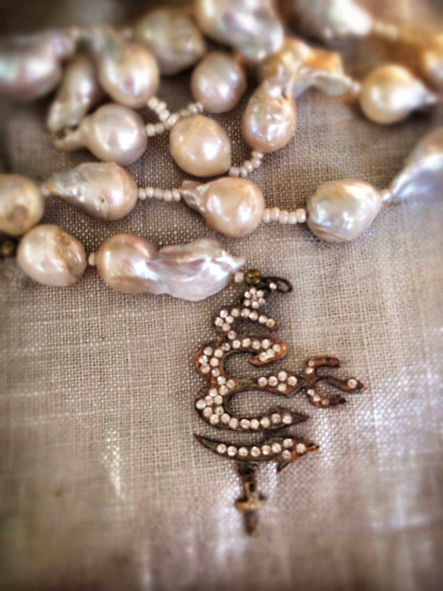 Château Belle Pearl Rosary Necklace