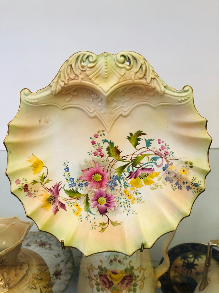 Carlton Ware Shell Shaped Dish