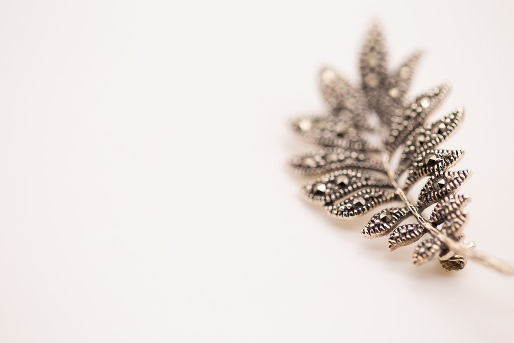 Leaf Design Brooch