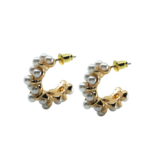 Saqui Studio Pearl Hoop Earrings